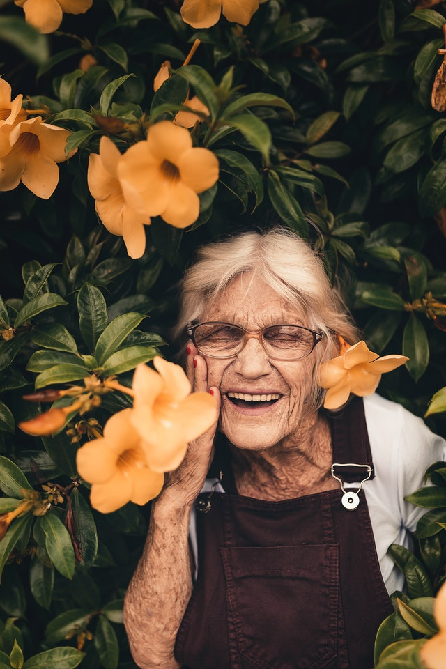 praca jako opiekunka osób starszych - jak wygląda